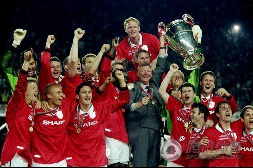 【拜仁痛失欧冠】1999年的欧冠决赛,拜仁和曼联在诺坎普球场狭路