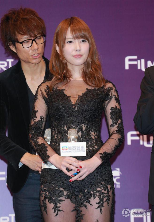 午夜香港四级影音先锋_图香港艺员为电视剧《法证先锋》做宣传