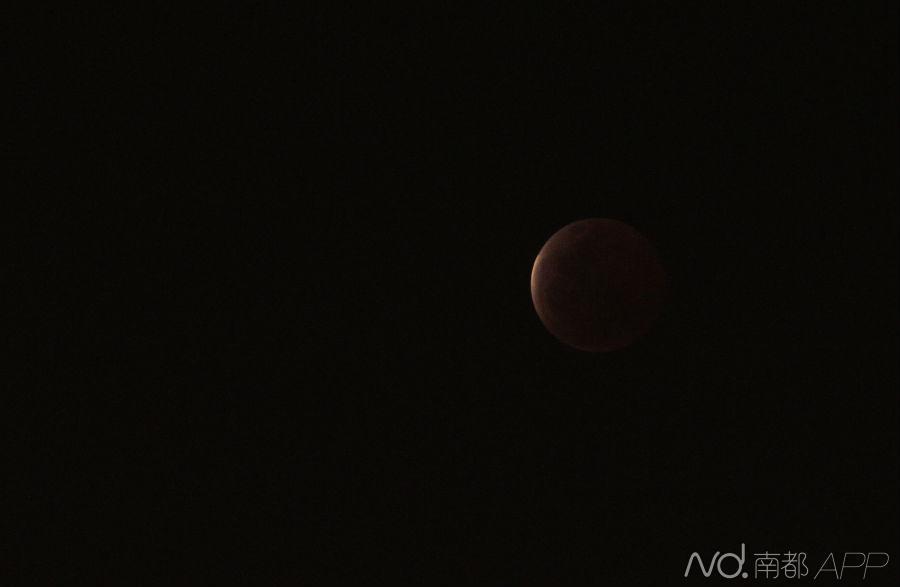 组图:红月亮如期而至 134年来持续时间最短 - shengge - 我的博客