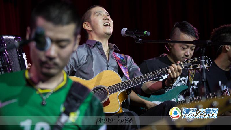 郝云2015西安演唱会在曲江会议中心完美落幕,在近两个小时的演