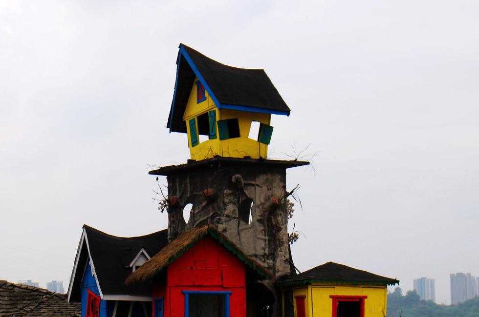 """重庆现梦幻""""最牛树屋"""" 由9间房屋组成2015.4.13 - fpdlgswmx - fpdlgswmx的博客"""