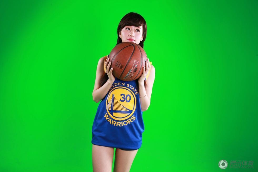 高清:腾讯NBA美女主播写真 婀娜多姿造型性感