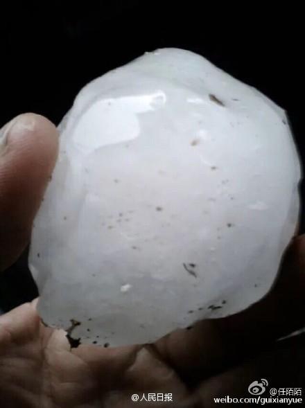 江苏多地冰雹大如鸡蛋 砸烂汽车挡风玻璃 - 海阔山遥 - .