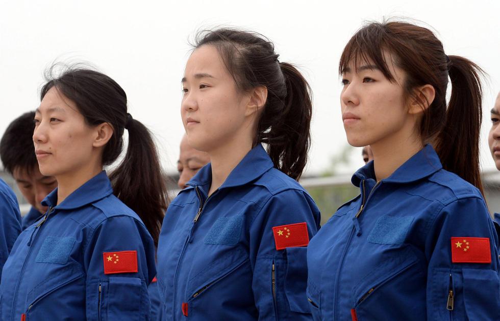"""北京首批""""空中警花""""接受单飞考核2015.5.7 - fpdlgswmx - fpdlgswmx的博客"""