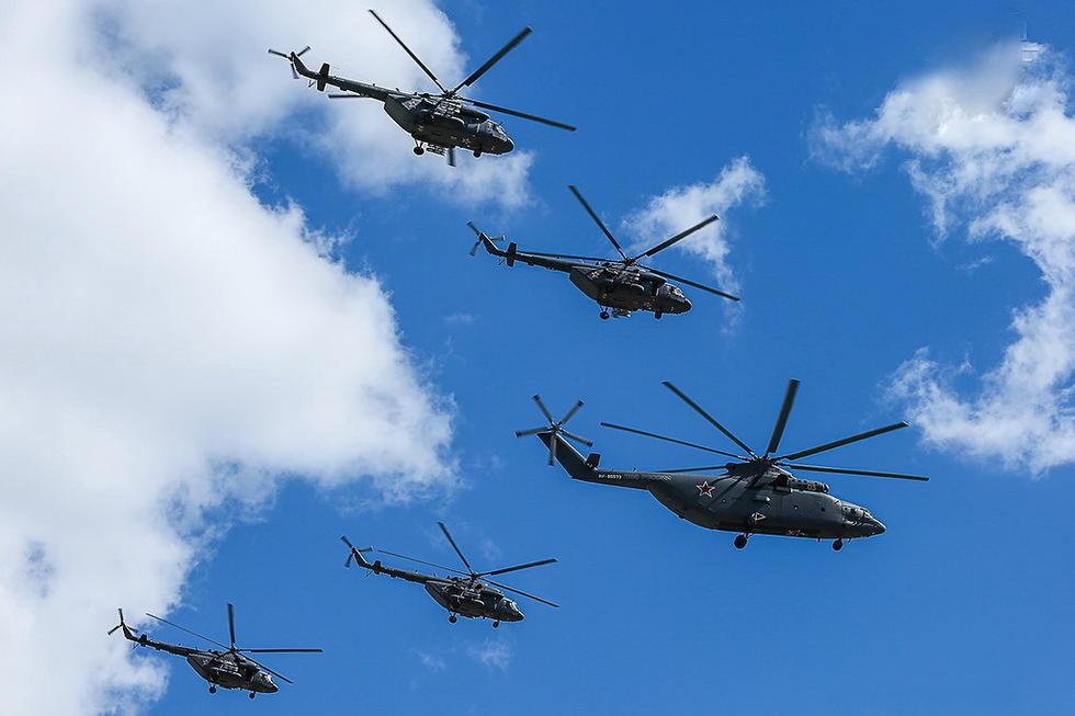 俄罗斯直升机编队