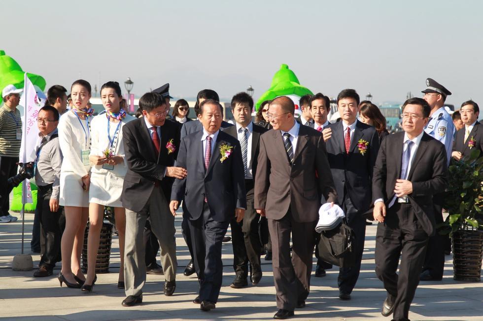 日本自民党总务会长率团参加大连赏槐会2015.5.25 - fpdlgswmx - fpdlgswmx的博客
