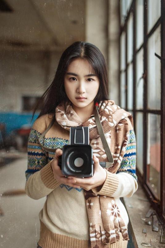 【20岁女生图片】 12岁女生图片