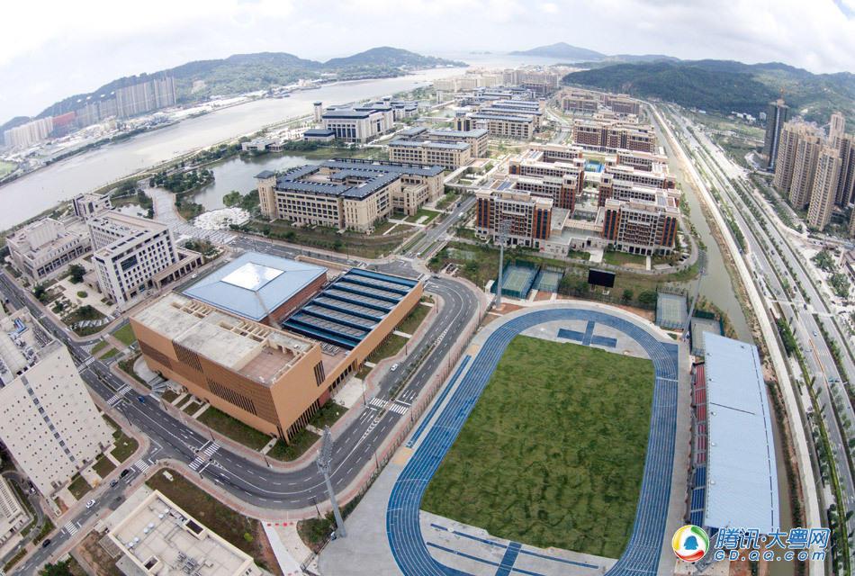 从这个角度所俯视到的,基本就是澳门大学横琴校区的全貌.该校区于