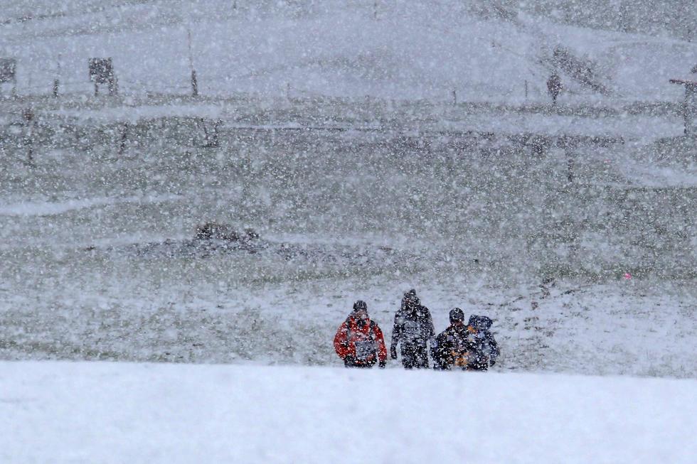 """新疆遭遇""""冰火两重天"""":哈密降大雪 火焰山55℃2015.6.01 - fpdlgswmx - fpdlgswmx的博客"""