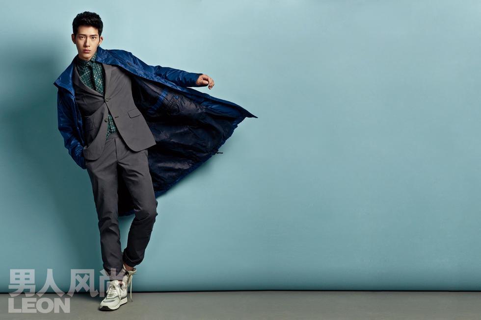 前,井柏然为《男人风尚》拍摄了一组时尚封面大片.照片中井柏然图片