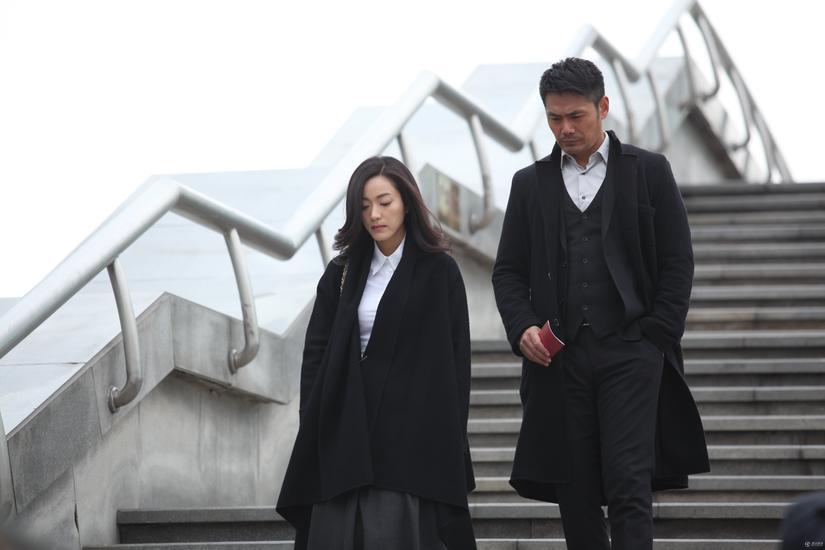 《一起长大》登电视节 邵兵妻张培首谈婚姻智慧