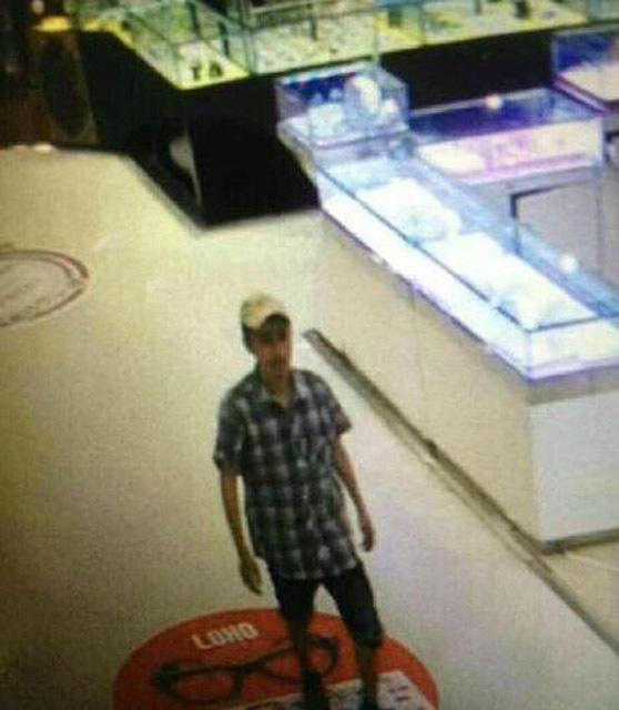 湛江:超市女主管举报小偷遭割喉致死