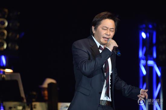 王杰美国演唱会爆满完美落幕 8月8日再战北京