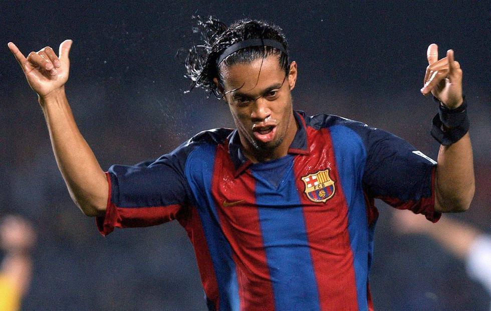 切的师兄.这位巴西魔术师拥有足坛最恐怖的天赋,足球在他脚下就图片