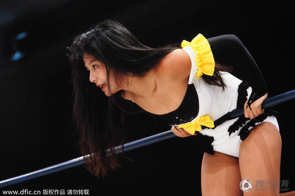 高清:日女子摔跤大搏眼球