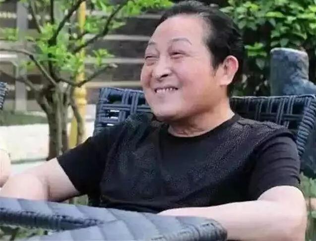 """""""的发家史,""""空盆来蛇""""、""""徒?-王林之前中国曾经的 全民气功狂图片"""