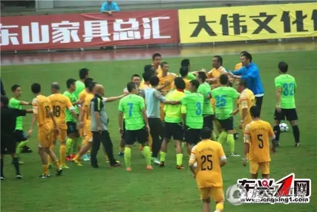 香港明星队比赛酿群殴 黄日华谭咏麟在内