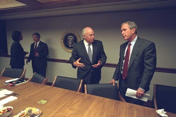 特朗普祝贺蓬佩奥成为美国第70任美国国务卿