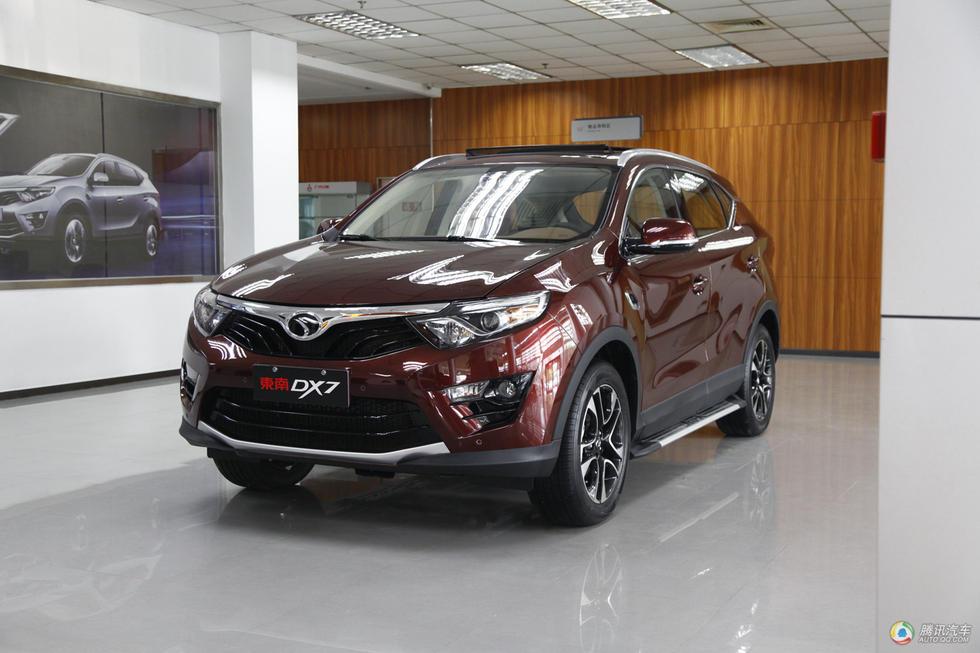 7月25日,东南汽车首款SUV车型DX7正式上市,售价为:9.69万-13.高清图片
