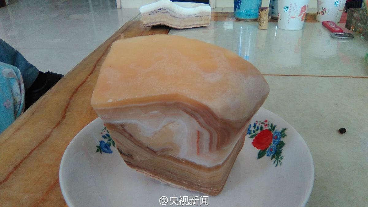【转】宁夏挖出一亿多年前石头 外形像五花肉 - 龙潭客 - 依山小筑