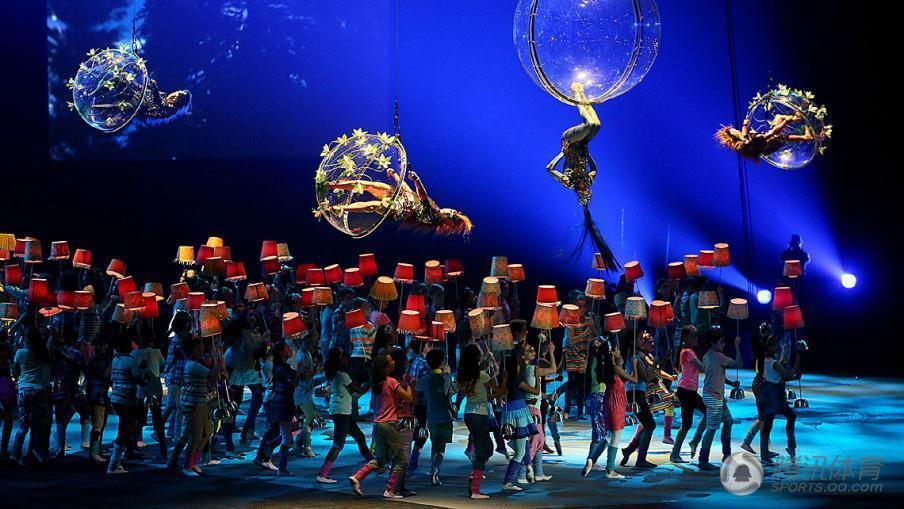 【2015年泛美运动会开幕式】7月10日,2015年泛美运动会开幕式在多