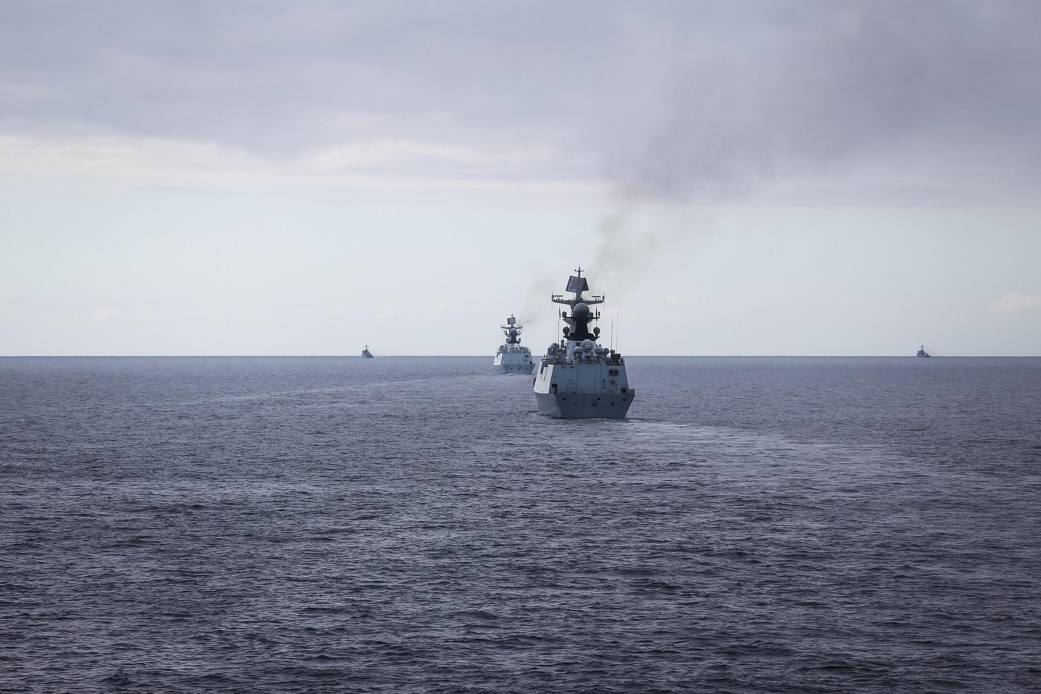 美军向米非法马遭乱南海派鸟五千公安部