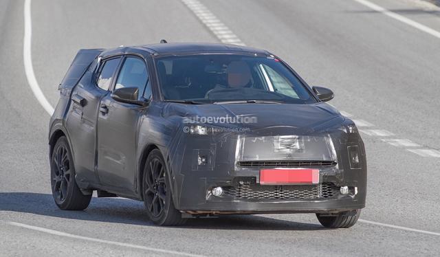 丰田全新小型SUV:从谍照来看,这台全新SUV的尺寸确实要比RAV高清图片