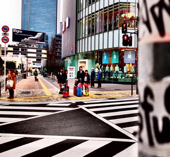 大阪在人口数上被东京拉开距离,到2015年排名下降,但人口规模