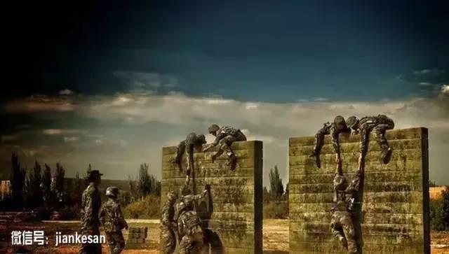 解放军航母军机绕台 台军称要在东岸建抗炸防爆墙