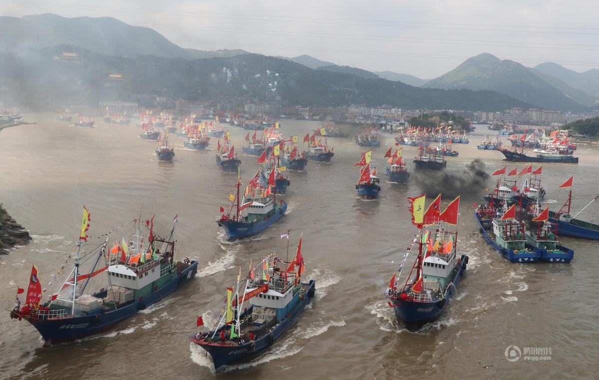 """浙江多地""""千舟竞发""""出海开渔 场面壮观 - 海阔山遥 - ."""
