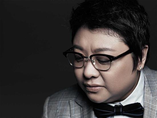 2015韩红当红不让演唱会新闻发布会 和华少说相声