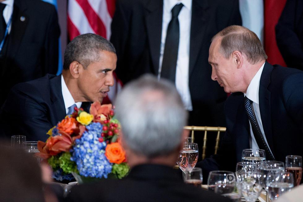 联合国午餐会一幕:奥巴马与普京同桌碰杯 - 海阔山遥 - .