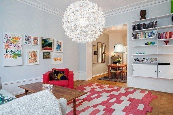 种小清新的美.墙上书柜减少了空间占用,美观而实用.-糖果拼色主