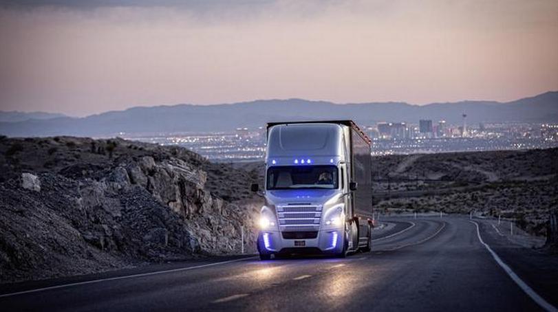 无人驾驶货车的成本也将低一些,因为汽车行驶越流畅,它需要的高清图片