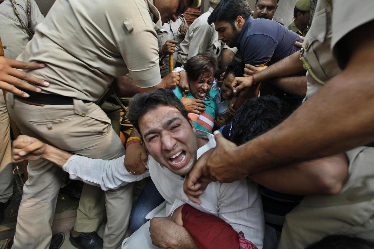 看免费狠狠撸幼女操逼电影_印度连续两名幼女遭性侵引发抗议