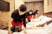 十堰洗脚妹凭双手创造生活 每日至少工作13小时