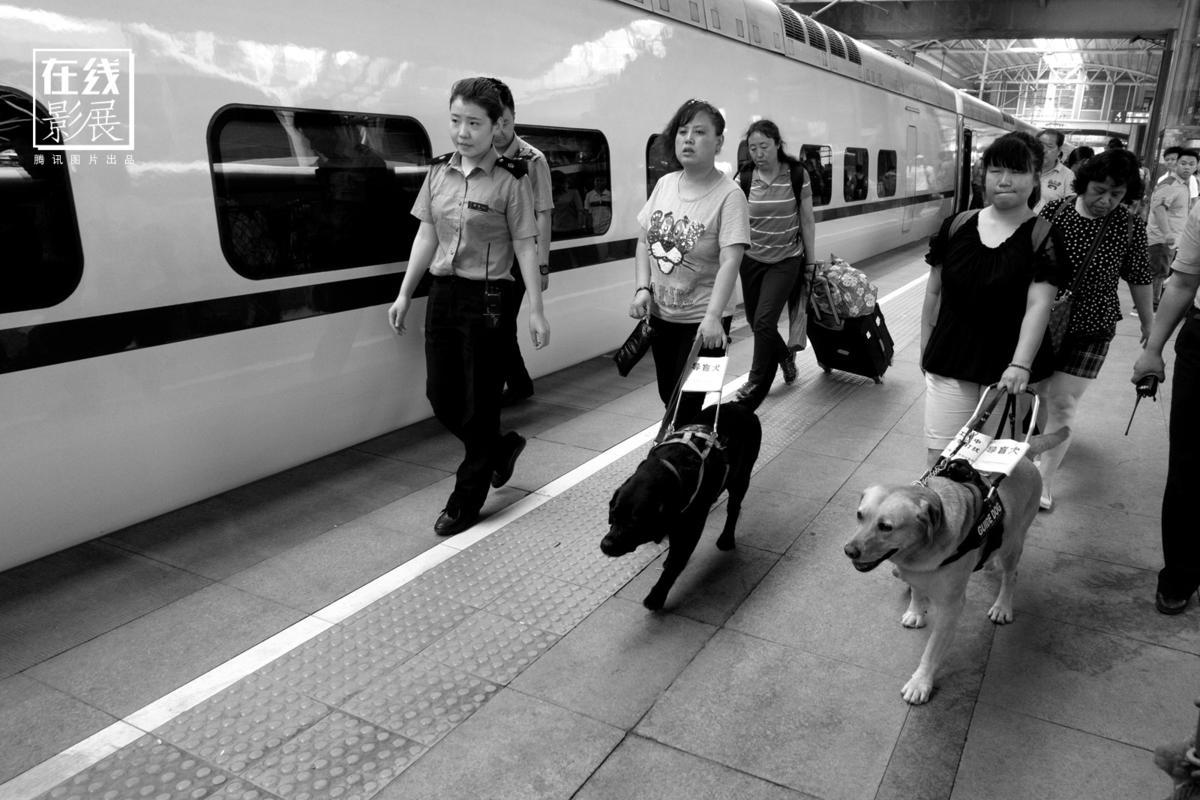 王福春 火车上的中国人