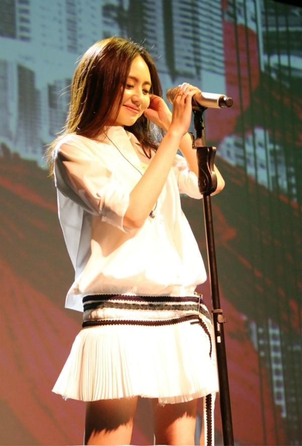 刘惜君暌违三年再出山 首唱会单身节唱响北京