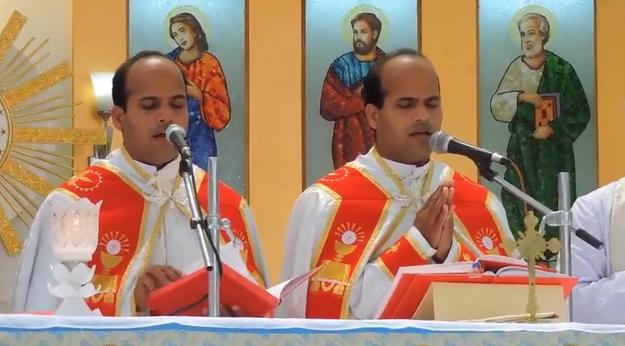 印度双胞胎姐妹嫁给双胞胎 婚礼花童牧师皆双胞胎 - 海阔山遥 - .