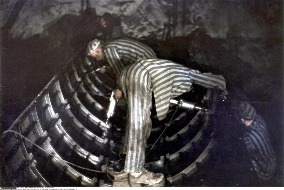 二战时纳粹德国生产V 2导弹的秘密军工厂