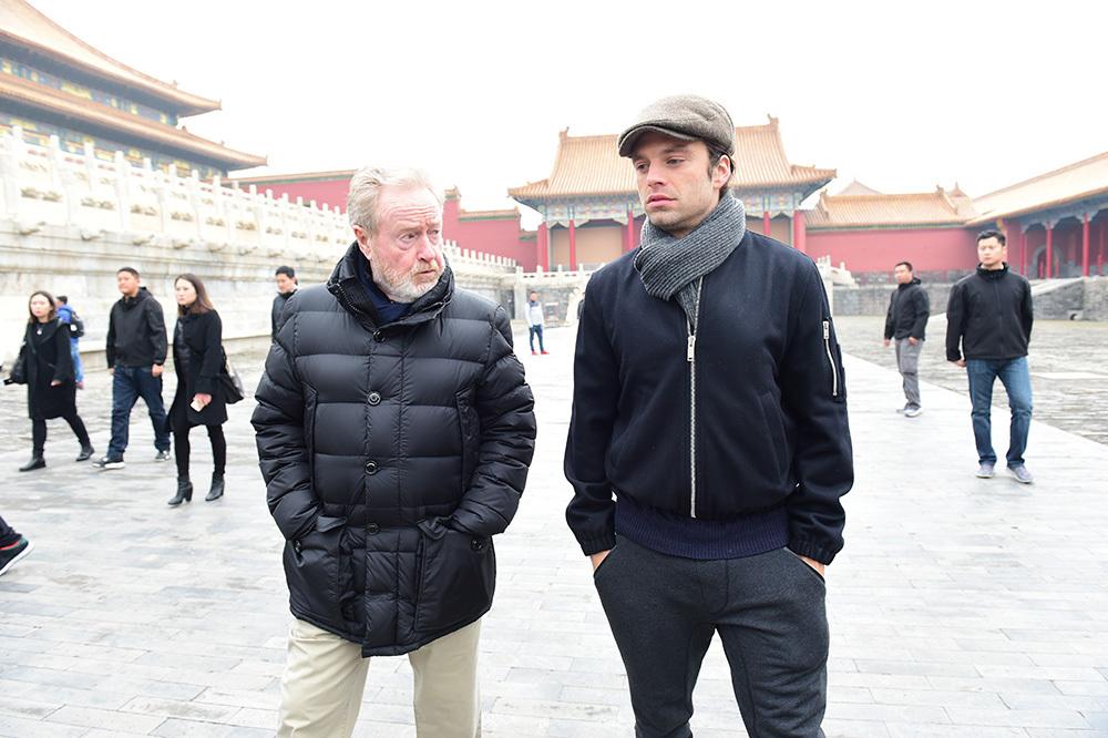 多伦多地标广场大屏幕24小时播放新疆宣传片