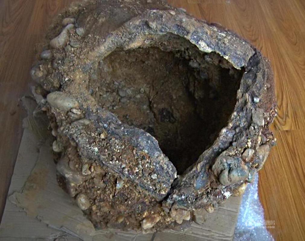 """南京村民挖出""""金陵神罐"""" 专家称至少一千万岁2015.11.22 - fpdlgswmx - fpdlgswmx的博客"""