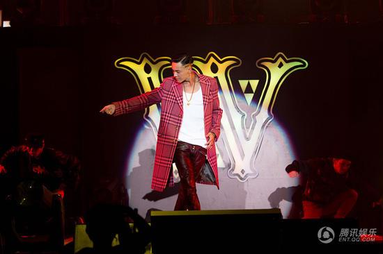 陈伟霆1120女皇派对圆满 为明年巡回演唱会预热