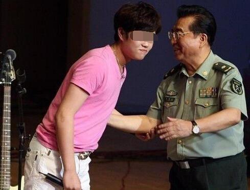 曝李天一在狱中曾想自杀 李双江曾收过勒索信 - 望星辰 - 望星辰