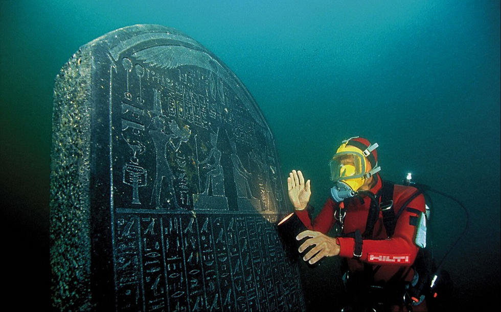 水中沉睡千年 埃及古城珍宝重现天日 - 海阔山遥 - .