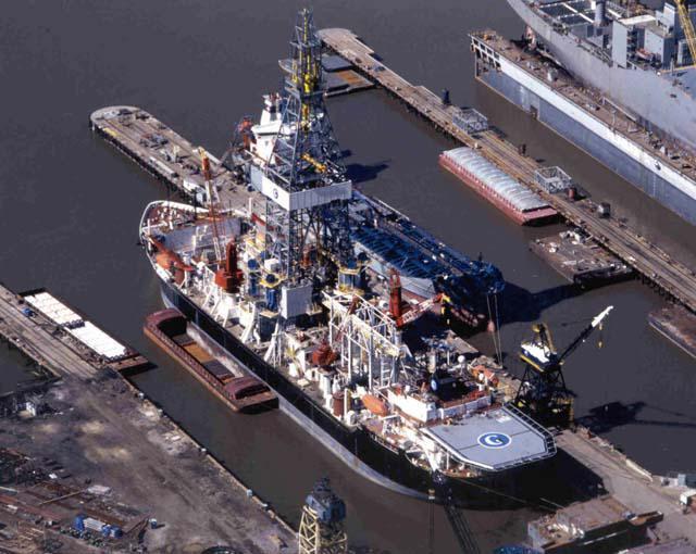 美国曾急造5万吨大船 只为偷捞苏联战略潜艇