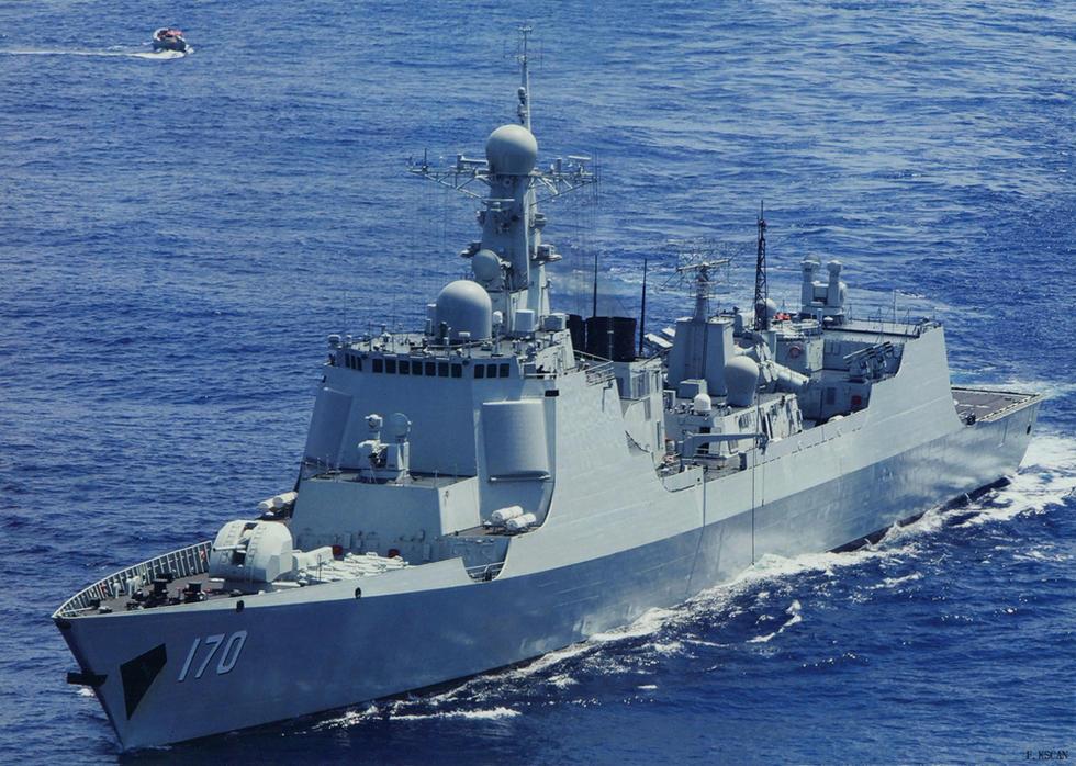 导弹驱逐舰合肥舰,是我国自行设计生产新型导弹驱逐舰,配备有反舰