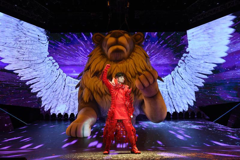 古巨基上海演唱会落幕 现场变身红娘助粉丝求婚