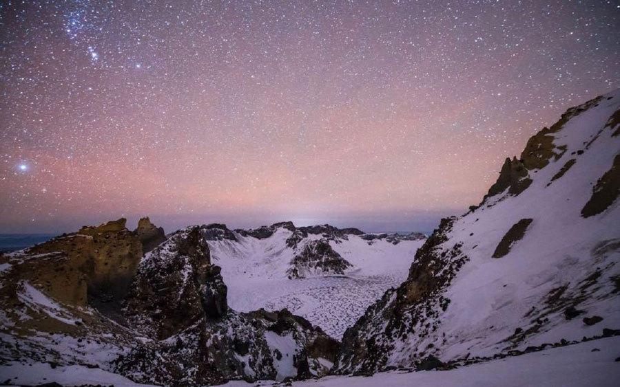 双子座流星雨来临 长白山夜空璀璨