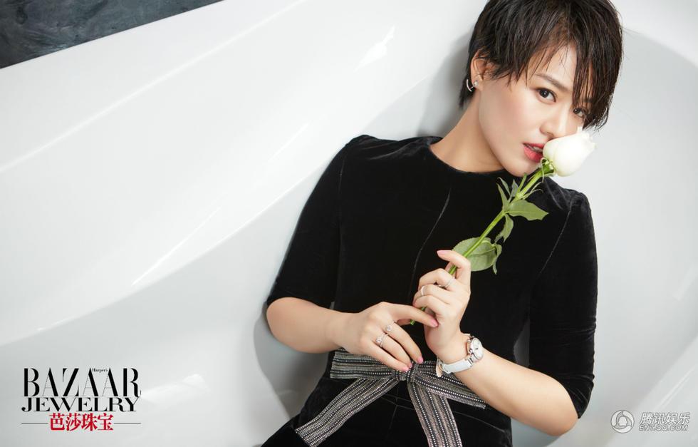 高清:王凯马思纯同登时尚封面 默契演绎黑白配